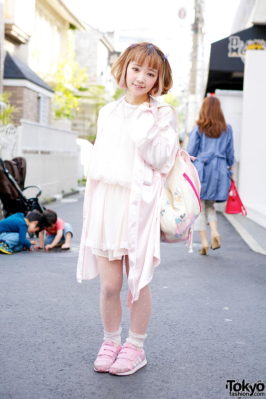 Kawaii Pink Resale Fashion in Harajuku
