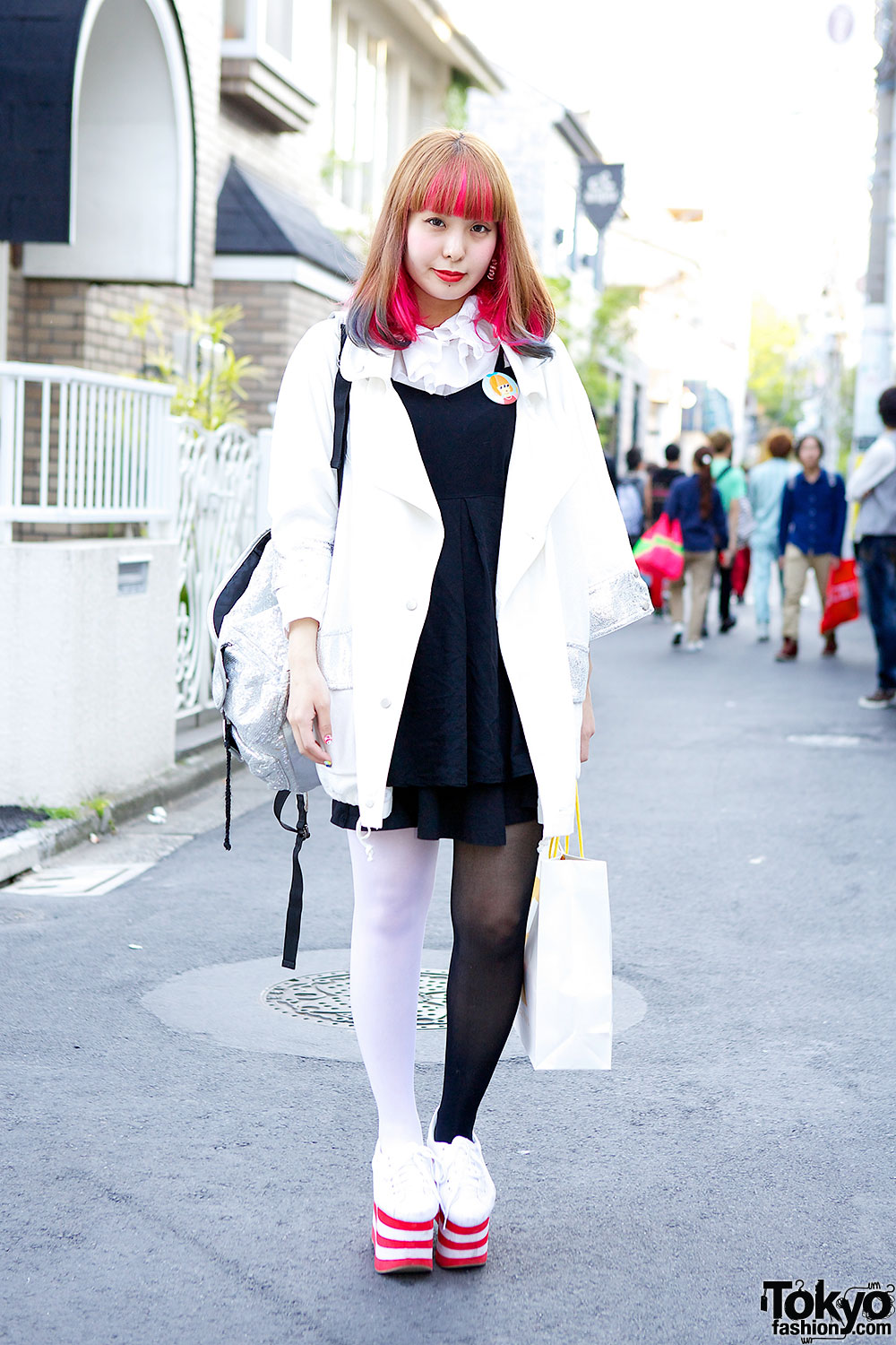 Lisamelody in Harajuku w/ Pink-Blue Hair & Jeffrey Campbell Sneakers