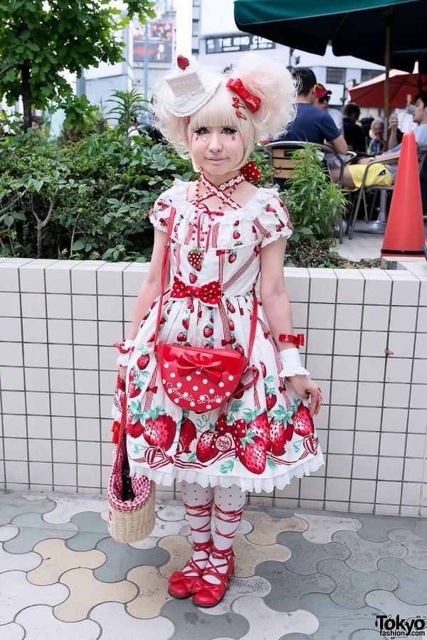 Strawberry Sweet Lolita w/ Cake Hat & Angelic Pretty in Harajuku