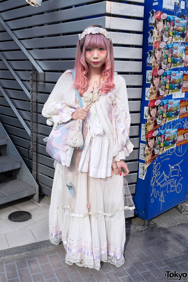 Pink Hair, Vintage Dress, Butterfly Skirt & Unicorn Ring in Harajuku