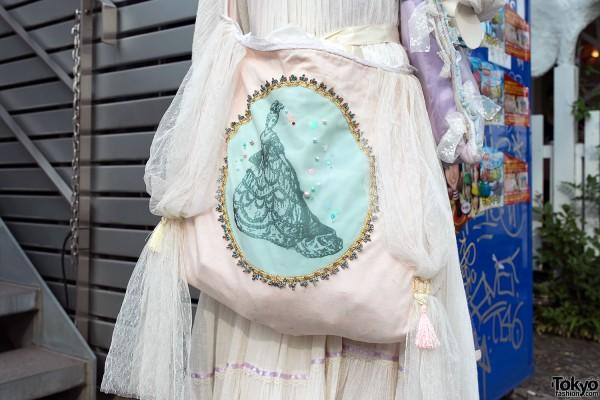 Lace Decorated Purse in Harajuku