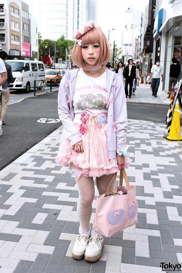 Super Kawaii Hawajuku Fashion w/ Snow White