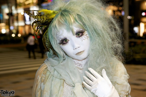 Minori Shironuri Green Hair and Makeup