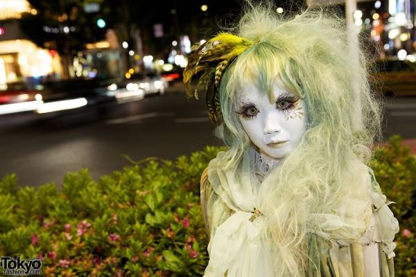 Minori's Earthy Shironuri Style in Harajuku