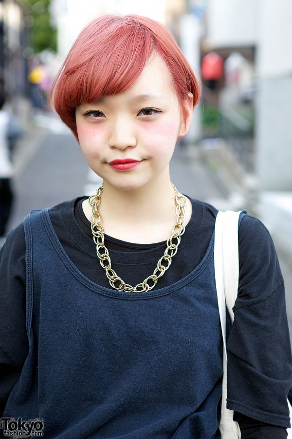 Red Hair & Chain Necklace in Harajuku