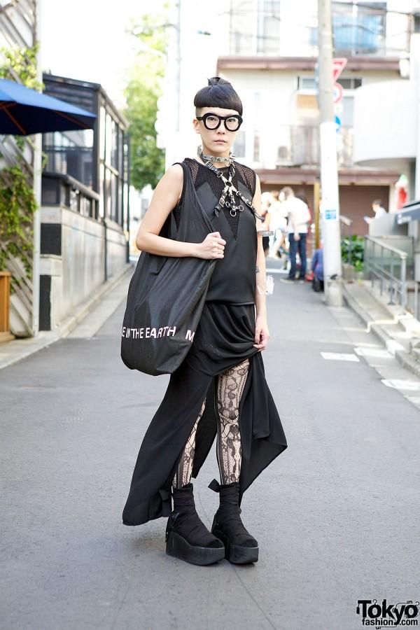 Monochrome Street Fashion in Harajuku
