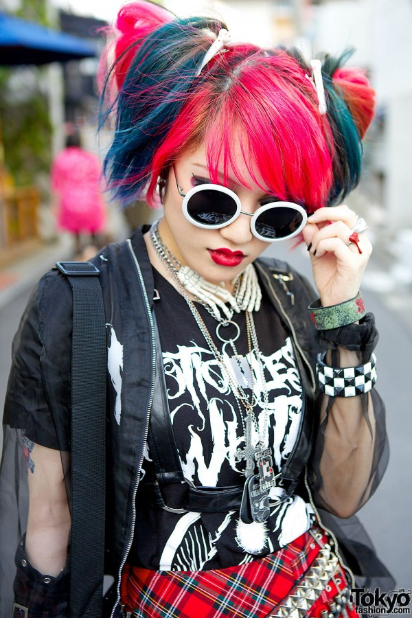 Pink Blue Hair & Round Sunglasses