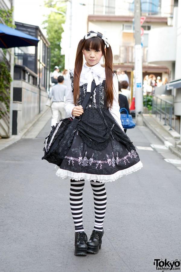 Gothic Lolita in Harajuku