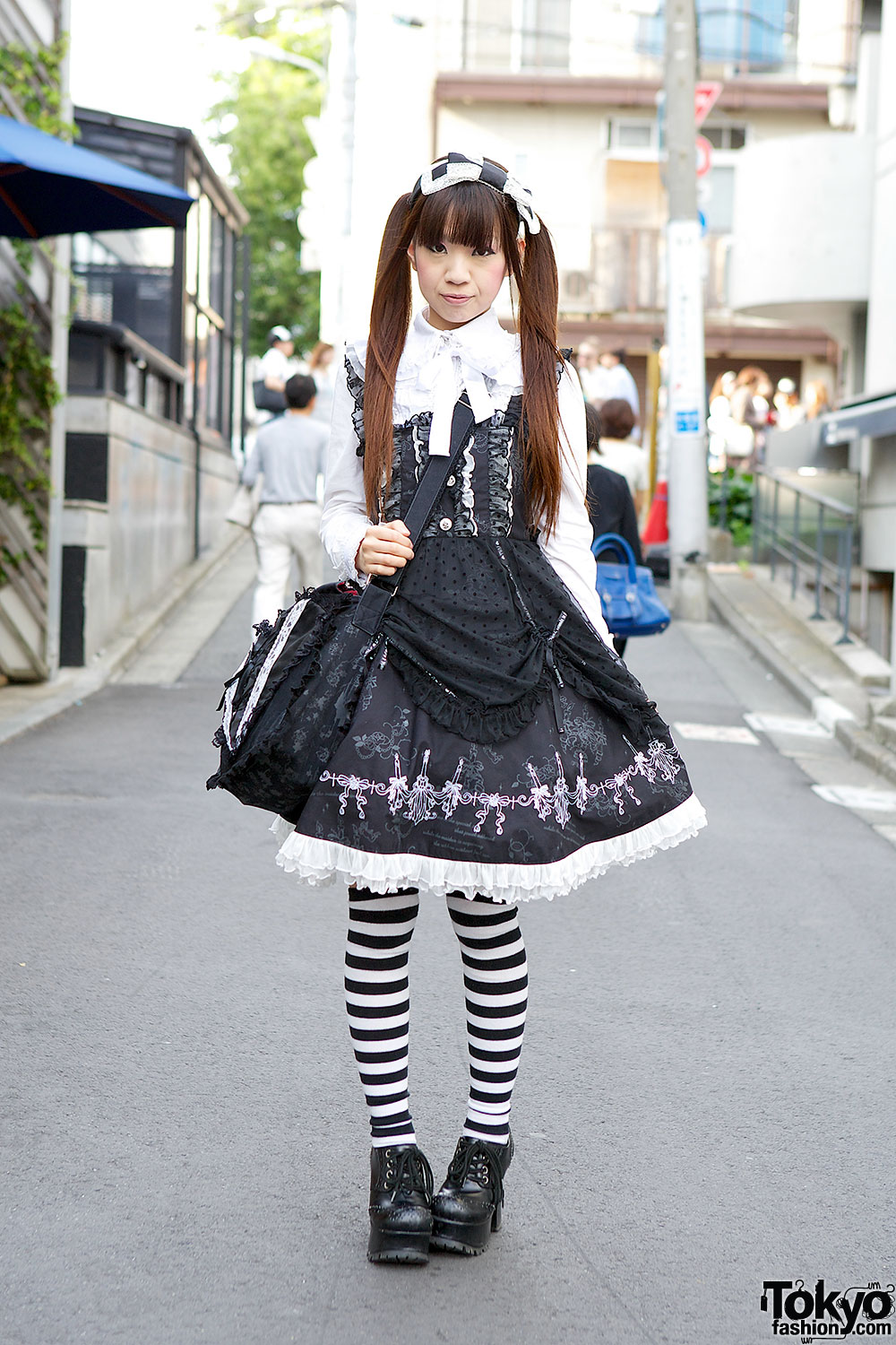 Gothic Lolita in Harajuku w/ Hangry&Angry Heart Bag & Frill