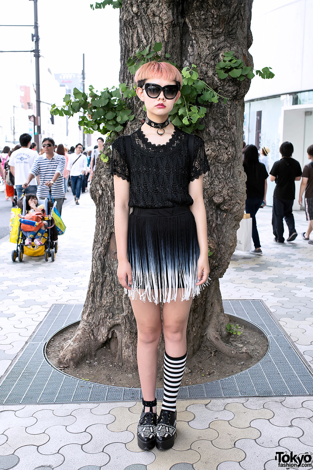 Chic Shaved Pink Hairstyle, Choker, Lace & Fringe In Harajuku