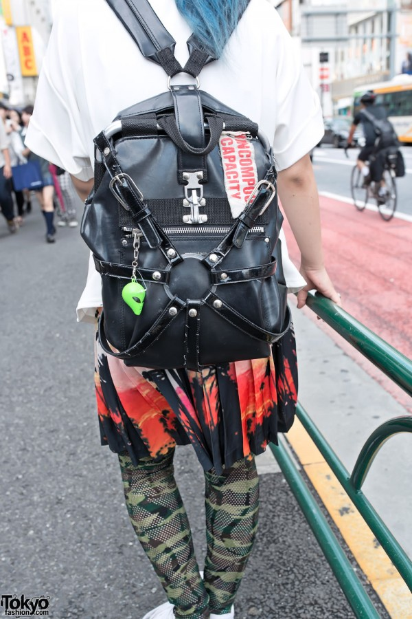 Nincompoop Capacity Harness Backpack