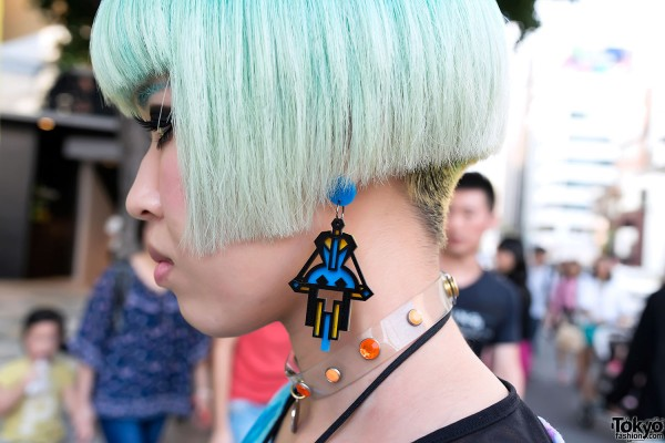 Mint Green Hair & Vive Vagina Earring