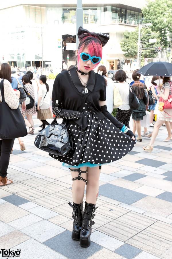 Lisa13 in Harajuku w/ Pink Hair, Polka Dots, Safety Pins & Demonia