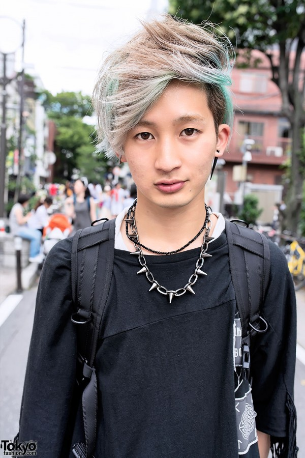 Green Guy's Hairstyle in Harajuku