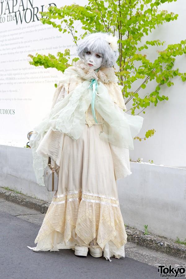 Minori's Flower Petal Shironuri Makeup, Corset & Maxi-Dress in Harajuku