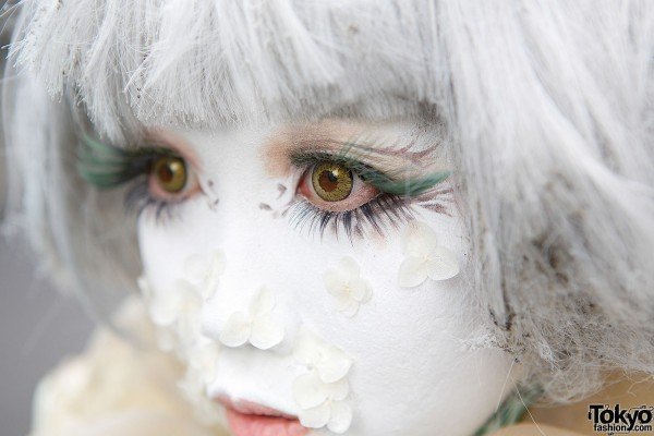 Flower Petal Shironuri Makeup
