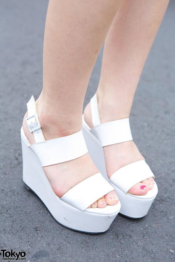 Emoda Platform Sandals