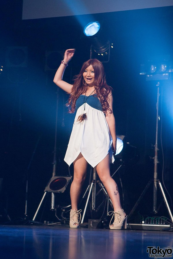 Campus Summit 2013 - Shibuya Gyaru (88)