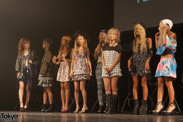 Campus Summit 2013 - Shibuya Gyaru (156)