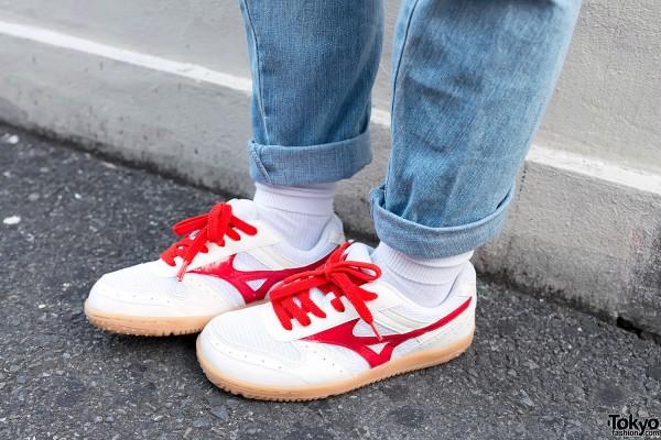 Cuffed Jeans & Mizuno Sneakers