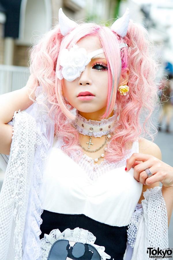 Rumanjyu With Pink Hair