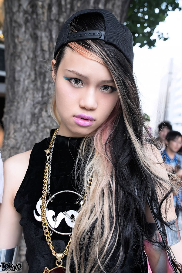 Pink Lipstick, Blue Eye Makeup & Streaked Hair