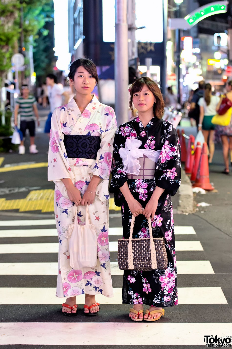 смотреть японки в магазине год