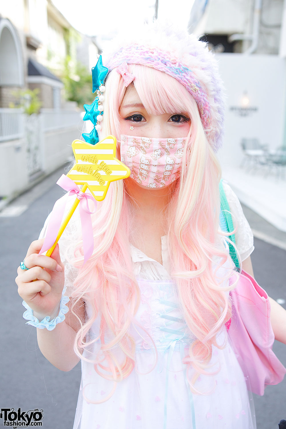 Pink Hair Amp Hello Kitty Face Mask Tokyo Fashion News