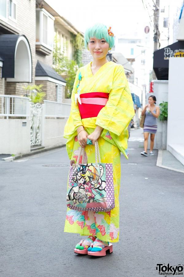 Kumamiki in Her Own Kimono w/ Mint Hair & Shojono Tomo Bag in Harajuku