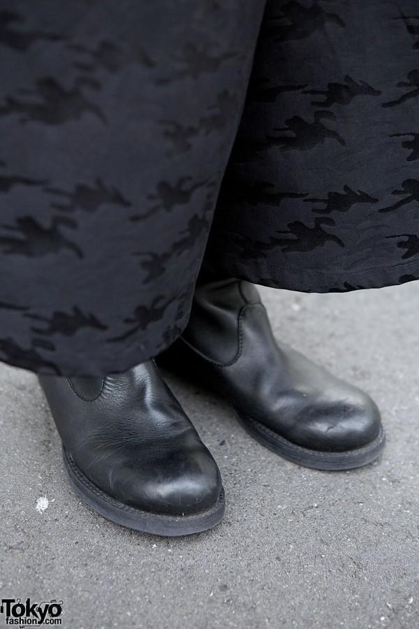 Wide Leg Pants & Black Leather Shoes