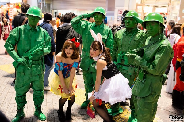 Halloween in Japan - Shibuya (108)