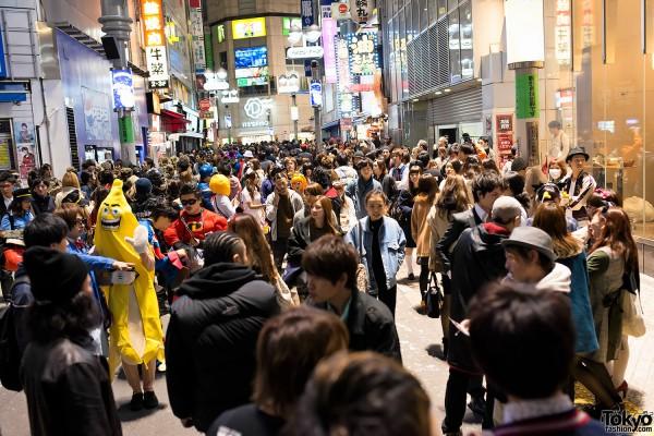 Halloween in Japan - Shibuya (109)