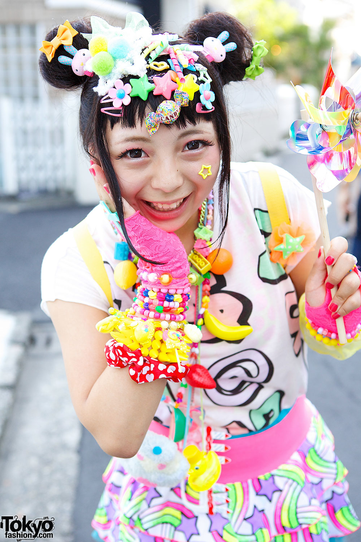 Harajuku Kawaii Experience: Kawaii Harajuku Decora Fashion W/ Hair Clips, Pinwheel & 6