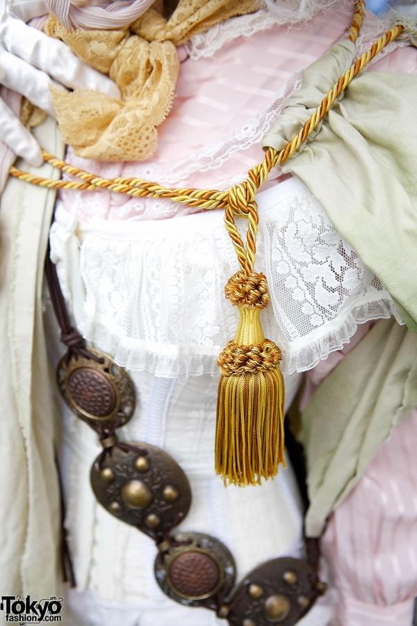 Shironuri Fashion Tassel Necklace in Tokyo
