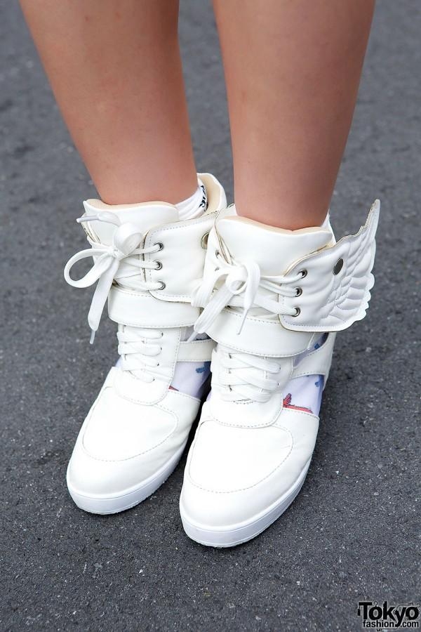 Lovedrugstore Wing Wedge Sneakers