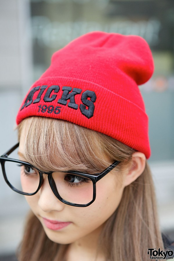 Gyaru in Red Beanie & Glasses