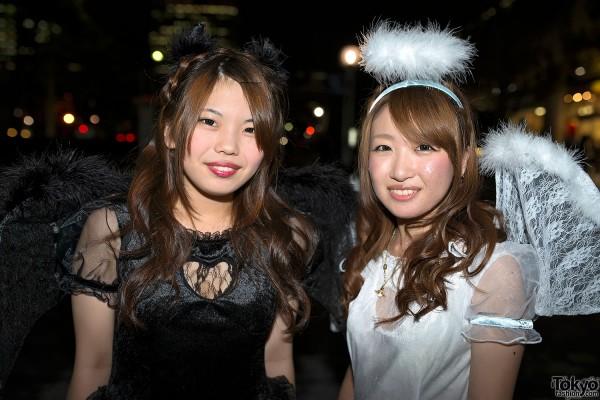 VAMPS Halloween Party Costumes in Tokyo (104)