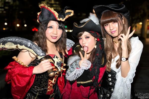 VAMPS Halloween Party Costumes in Tokyo (112)