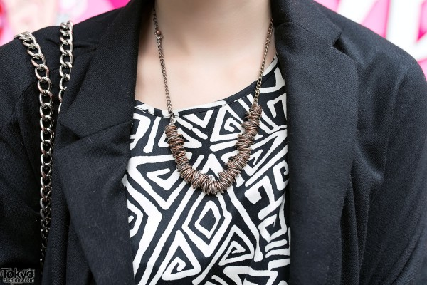 H&M Graphic Top & Necklace