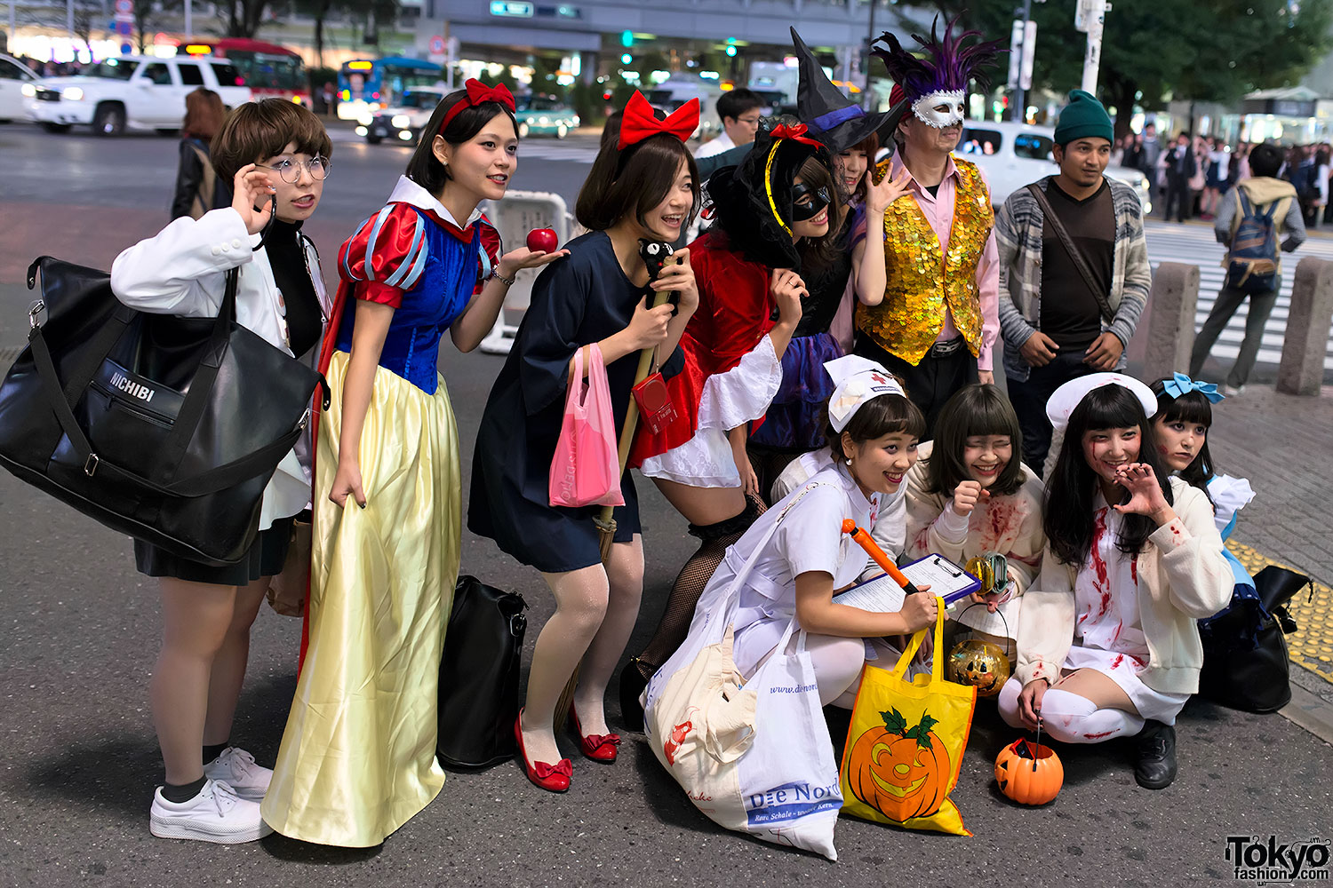how to say halloween costume in japanese