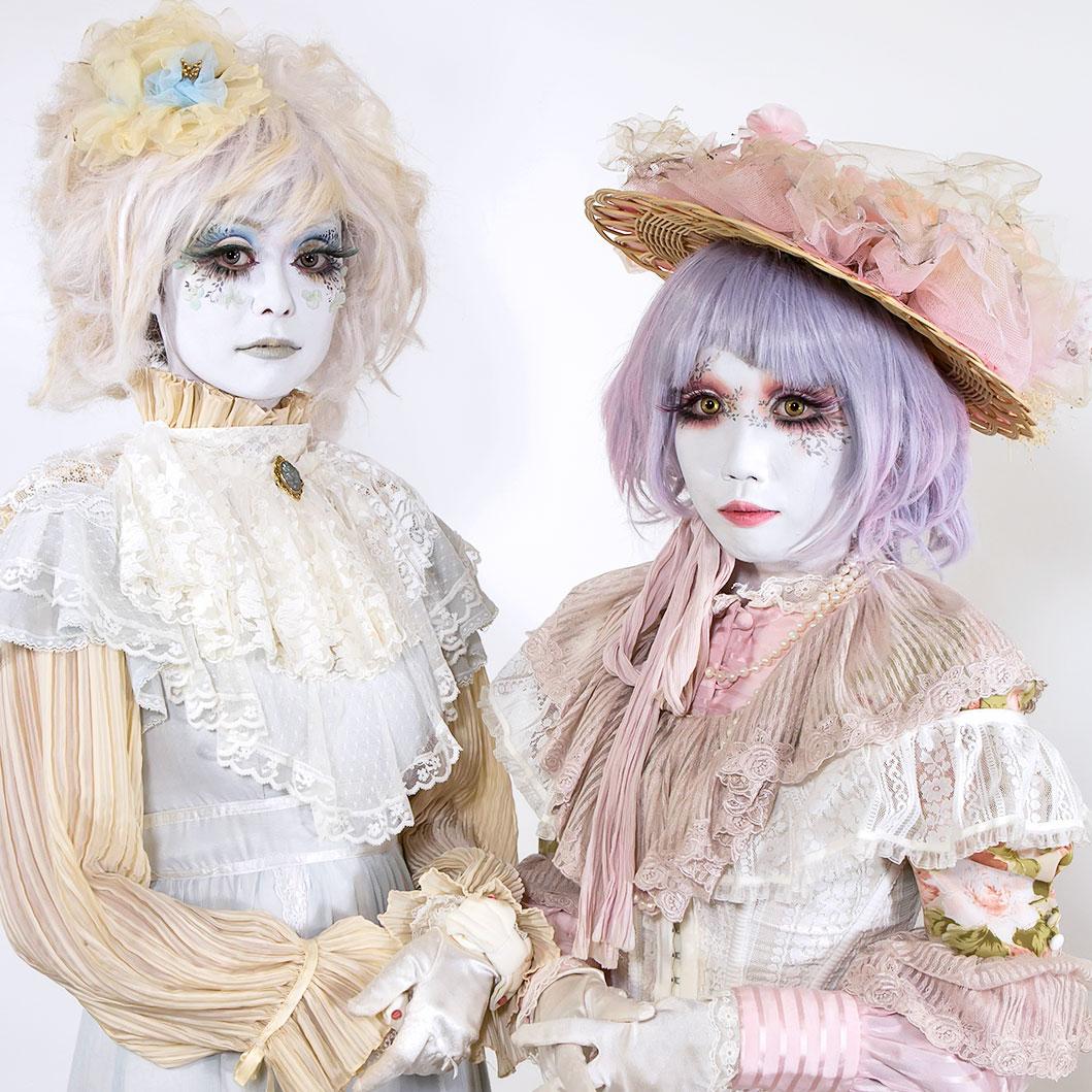 Shironuri Makeover Tutorial by Japanese Shironuri Artist Minori