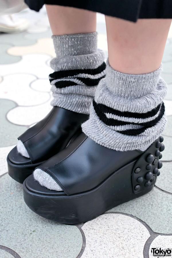 Loose Socks & Studded Platform Shoes