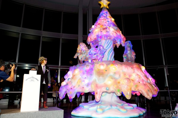 Melty Go-Round Christmas Tree in Tokyo (2)