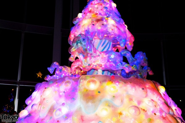 Melty Go-Round Christmas Tree in Tokyo (3)