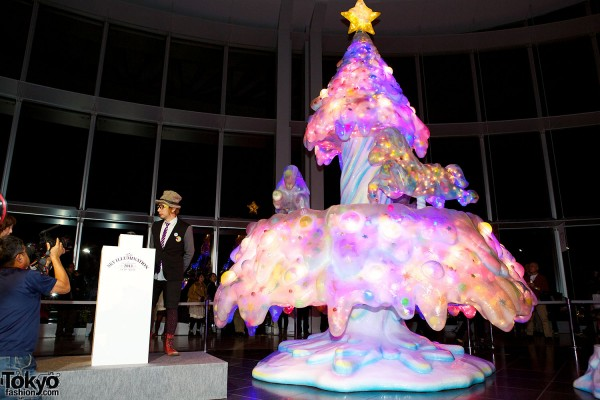 Melty Go-Round Christmas Tree in Tokyo (5)