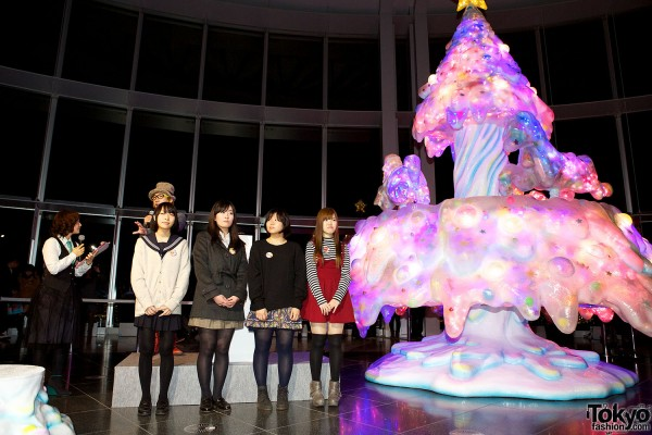 Melty Go-Round Christmas Tree in Tokyo (6)