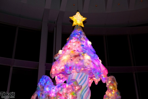 Melty Go-Round Christmas Tree in Tokyo (15)