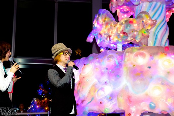 Melty Go-Round Christmas Tree in Tokyo (16)