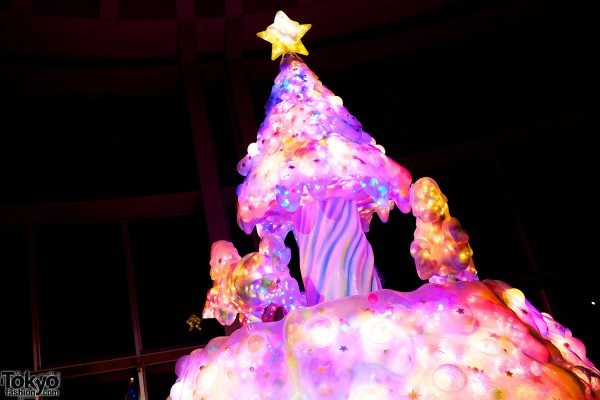 Melty Go-Round Christmas Tree in Tokyo (19)