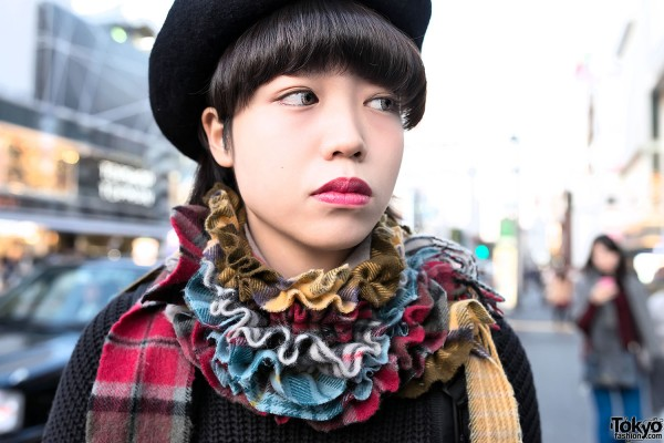 Ruff Collar Made of Scarves